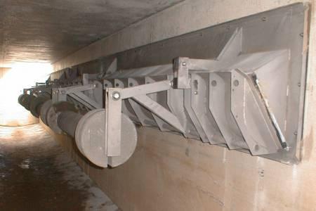 Povečanje prostornine zadrževalnega bazena z zajezitveno loputo bgu
